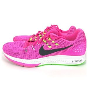 Nike Zoom Structure 19 running shoes. Size 9.5